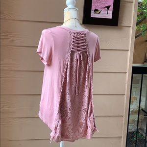 Knox Rose pale pink unique lace top and necklace